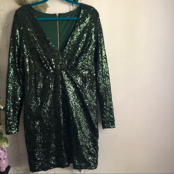 Charlotte Russe Dresses & Skirts - Charlotte Russe | Emerald Green Sequin Dress